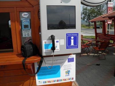 Turisztikai Touch-Screenes Infóterminál
