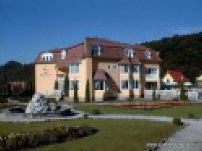 Edelweiis Hotel